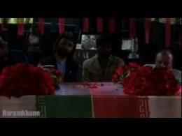مداحی حاج مجتبی رمضانی در کنار تابوت شهدای غواص