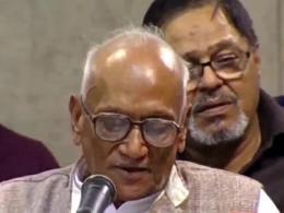 شعرخوانی آقای دهر مندرنات از هندوستان در حضور رهبر انقلاب