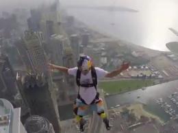 پرش های باورنکردنی از بلند ترین برج دنیا