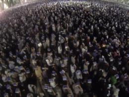 نماهنگ مراسم شب قدر در حرم رضوی با صدای استاد کریمخانی