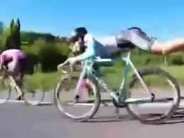 روشی جالب برای سبقت گرفتن با دوچرخه