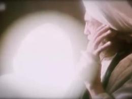 صحنه شهادت امام رضا (ع) توسط مامون