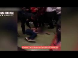 حمله وحشیانه پلیس آمریکا به دختر دانشجو