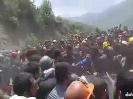 لحظه اعتراض شدید کارگران معدن گلستان علیه روحانی و ...