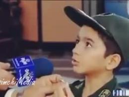 سوغاتی فرزند یک شهید مدافع حرم برای رهبر انقلاب