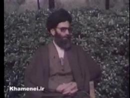 ببینید  نحوه برخورد حضرت آیتالله خامنهای(حفظه الله) با جاسوسان آمریکایی که در لانه جاسوسی بازداشت شده بودند...