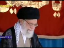 لحظه شور انگیز حضور امام خامنهای در بین ۱۰۰هزار بسیجی در ورزشگاه آزادی