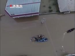 فیلم دیدنی از کمک نیرو های ارتش به مردم سیل زده