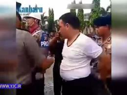 مجازات پلیس رشوه گیر در ملاء عام + فیلم