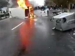 بلوار پروين تهرانپارس نرسيده به استخر