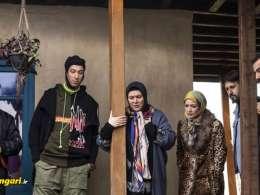 صحنه ای دیگر از سریال پایتخت که نشانه نفود در این فیلم را نشان می دهد