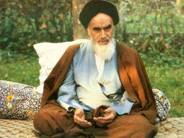گفتوگو با مردی که در مراسم تغسیل امام خمینی(ره) حضور داشت