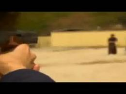 نصف کردن گلوله شلیک شده با شمشیر