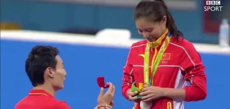 خواستگاری در مراسم اهدا مدال المپیک