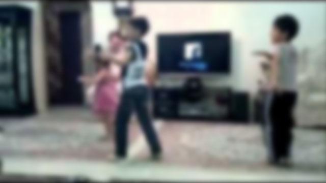 رقص بچه ها با مادرانشان و فیلم گرفتن از آن، نتیجه اجرای چراغ خاموش 2030!