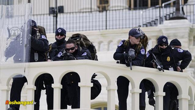 لحظه شلیک گلوله به زنی که در داخل ساختمان کنگره کشته شد.