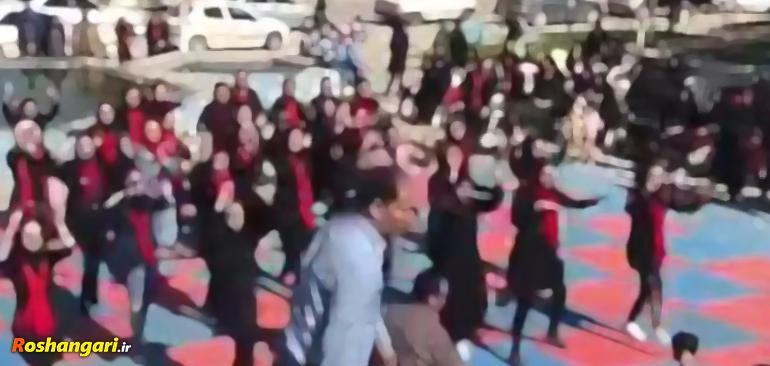 رقص دختران مسلمان در مقابل مسئولین در انظار عموم!