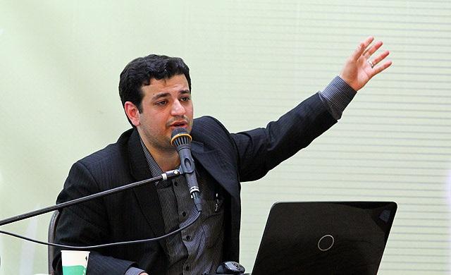 حمله با چاقو به استاد رائفی پور  به دلیل شبهه پراکنی فرقه انحرافی احمد الحسن یمانی