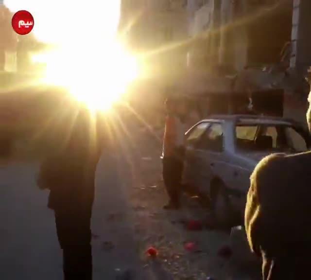بیتابی مردم برای اعضای خانواده شان در مناطق زلزله زده