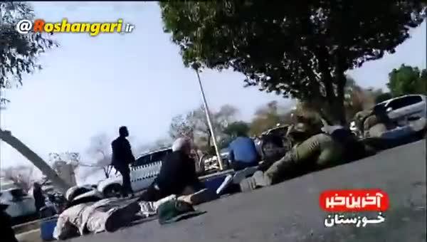 نخستین فیلم واضح از تیراندازی شدید به رژه نیروهای مسلح در اهواز