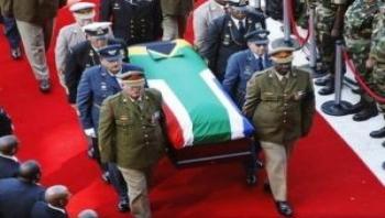 ماندلا در زادگاهش آرام گرفت