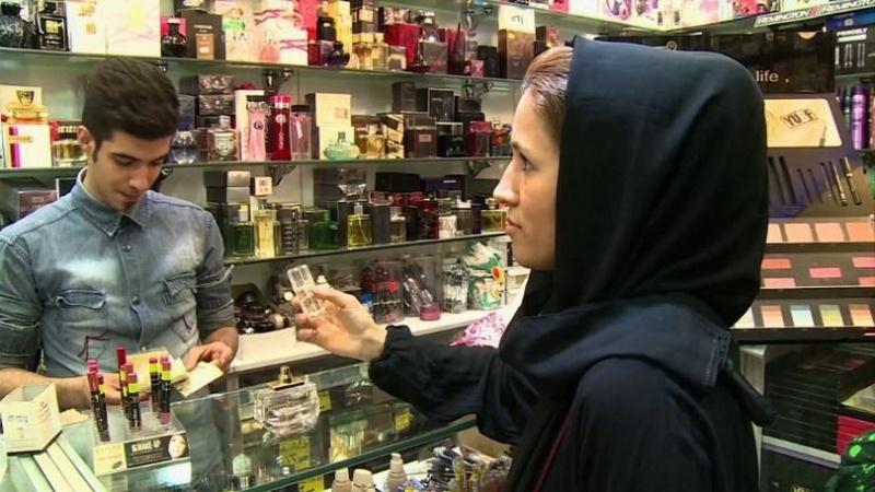 زنان ایرانی چرا آرایش میکنند؟