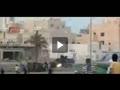 جوان بحرینی سوار بر خودروی زرهی آل خلیفه